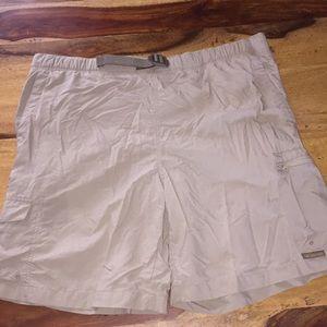 Columbia packable shorts. Men's Large